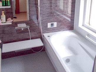 バスルームリフォーム 寒さを解消しお手入れも簡単なバスルームに