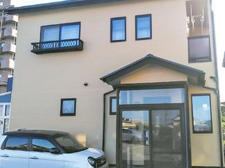 外壁・屋根リフォーム すみずみまできれいに塗り替えて明るくなった外壁