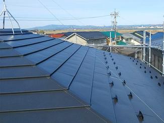 外壁・屋根リフォーム 落雪も防ぐ耐久性の高い屋根
